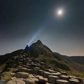 Exploring the sky by Wojciech  Golebiewski - Landscapes Mountains & Hills ( person, fujifilm xt2, giant's causeway, landscape, county antrim, nature, stars, long exposure, northern ireland, night, night shot, natural, light, formation )