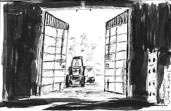 Photo: 餿水車2011.06.06鋼筆 車檢站的大鐵門開了,迎接附近某牧場老闆的農機來收餿水。