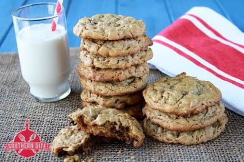 "Peanut Butter Chocolate Chip Oatmeal Cookies {Gluten Free} ""You might think that..."