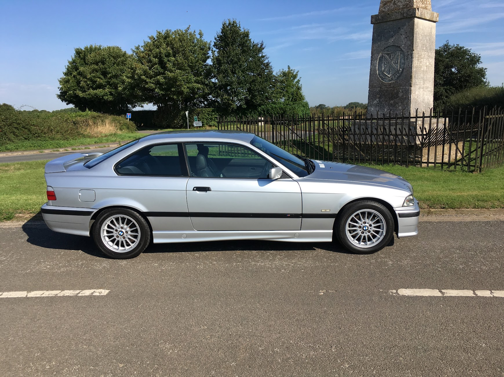 bmw e36 318is mtech coupe 1250 no offers oxfordshire retro rides. Black Bedroom Furniture Sets. Home Design Ideas