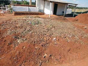 Photo: Formação da compostagem – Mistura de materiais orgânicos, restos de frutas e folhas