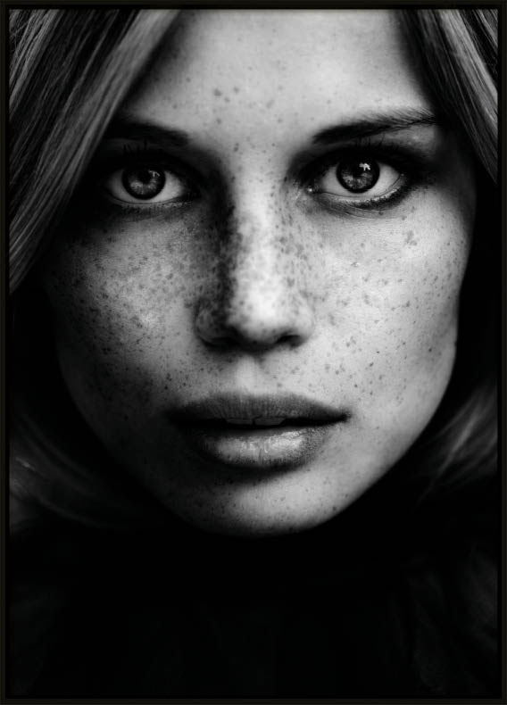 Face, Poster