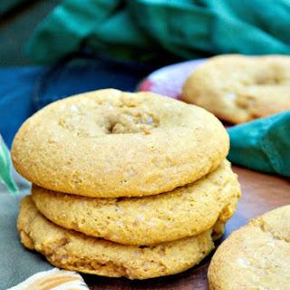 Low Carb Pumpkin Spice Bagels {Flourless Keto Recipe}.