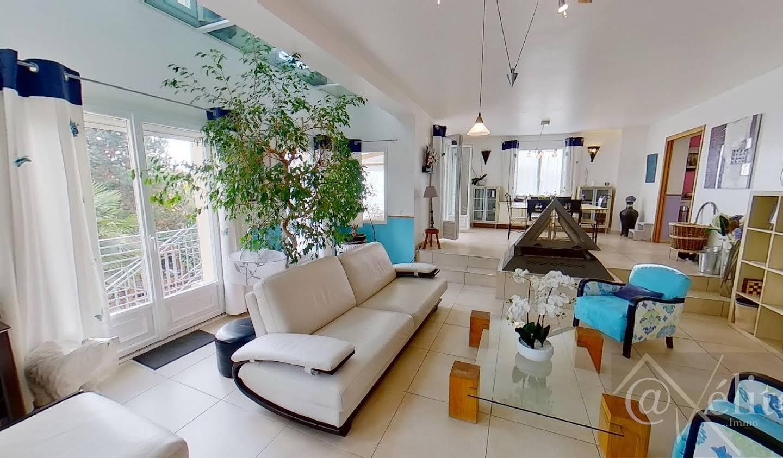 Villa avec piscine Chessy
