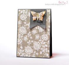 Photo: http://bettys-crafts.blogspot.de/2014/05/happy-birthday-die-achte-teil-1.html
