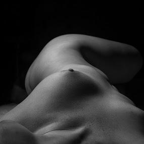 by Samuel Burns - Nudes & Boudoir Artistic Nude