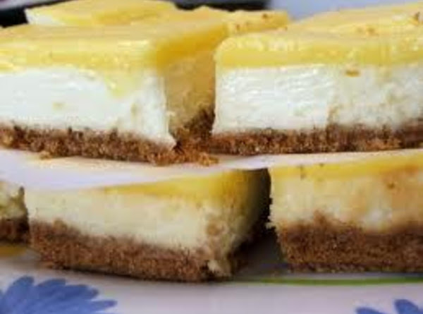 Lemony Cheesecake Bars Recipe