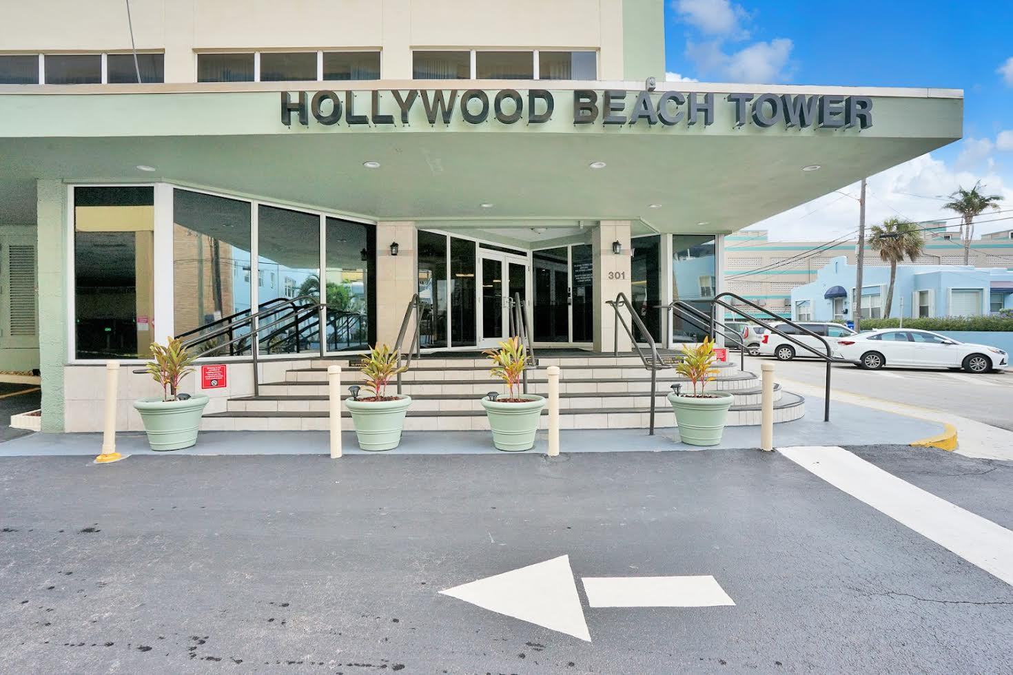 Hollywood Beach Tower Picture Number 2