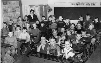 Photo: 1953-1954 Ruuskasen luokka, Cycnaeuksen koulu