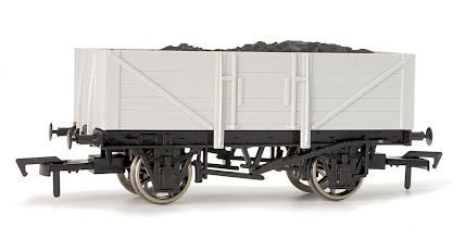 Photo: A001 Unpainted 5 Plank Open Wagon