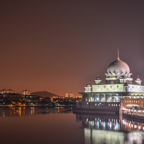 putra mosque by Rusydi Ali - Buildings & Architecture Places of Worship