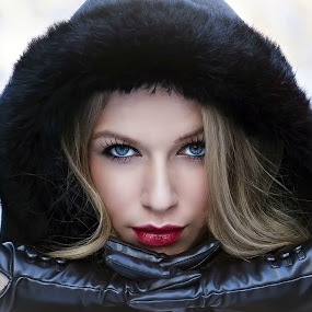 LADY WINTER by Daniel Kitu - People Portraits of Women ( face, girl, winter, beauty, feminity, eyes )