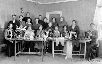 Photo: Gruppfoto. Stickmaskinkurs 1918