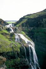 Photo: Wodospad Glymur / Glymur waterfall