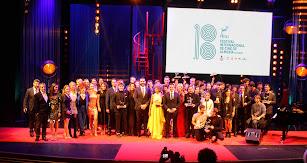 Galardonados y homenajeada en la gala de clausura de FICAL 2019.