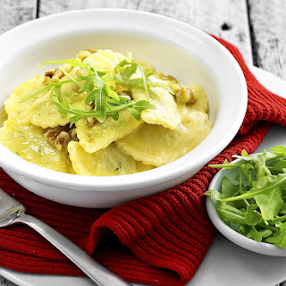 Cheese Ravioli with Arugula