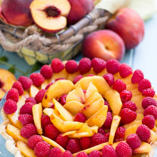 {Simplified} Fresh Peach Raspberry Pie
