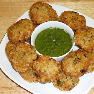 Sabudana Vada (Fried Dumplings of Potatoes and Tapioca).
