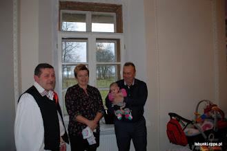 Photo: Państwo Agnieszka i Mirosław Józefkowie z córka Justynka, podarowali nam już tysiace kwiatow które u nas rozkwitły. / z lewej Pan Roman Śliwiński, organizator występu.