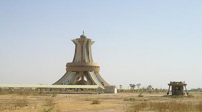 Photo: pomniki stolicy Burkina Faso