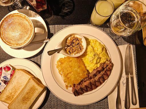 有牛小排的早餐覺得幸福❤️