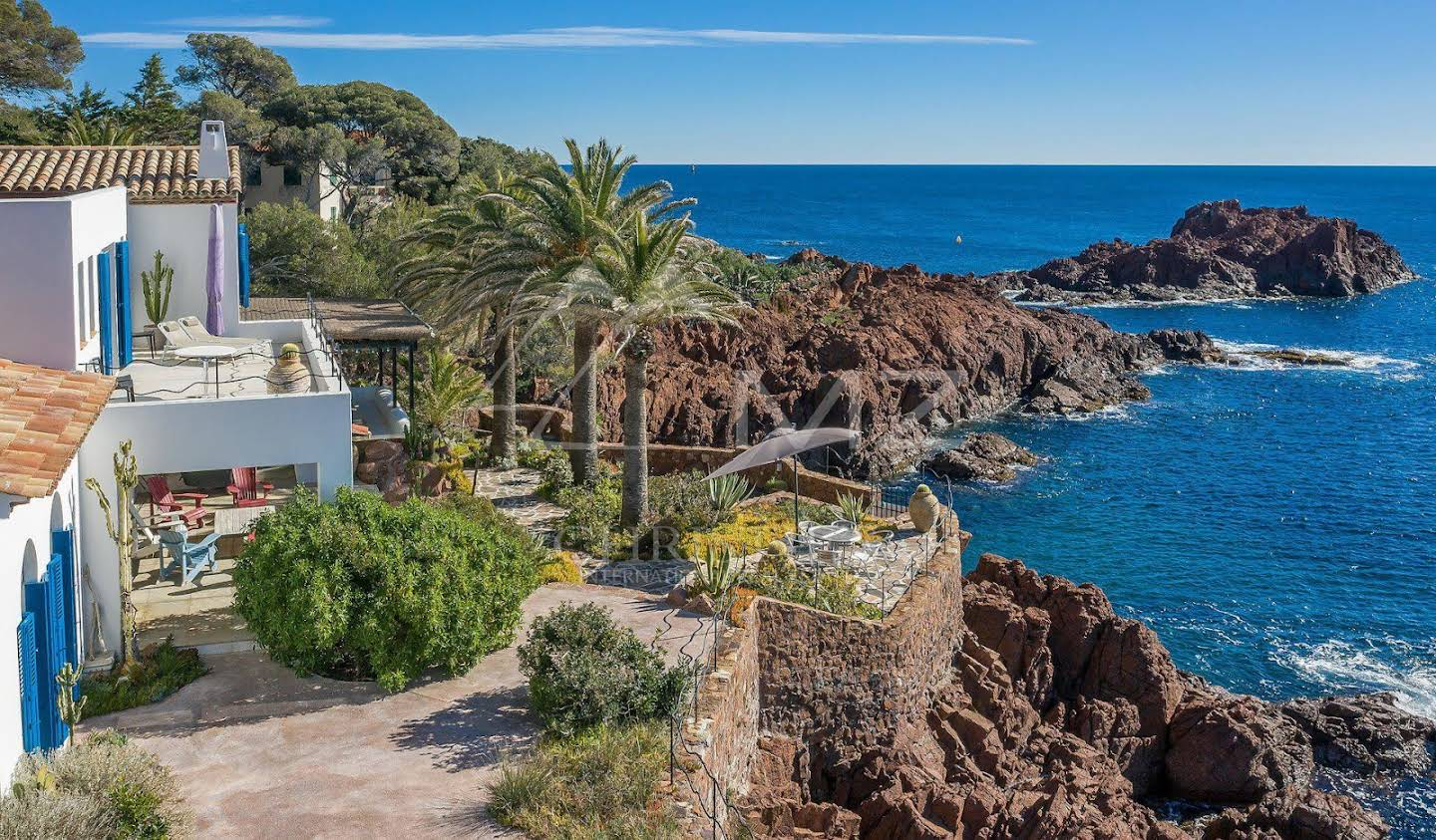 Villa with pool and terrace Agay