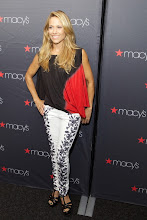 Photo: CHICAGO, IL - AUGUST 09: Sheryl Crowe attends Macy's Glamorama Event Benefiting Ronald McDonald House Charities Featuring Sheryl Crowe at Harris Theater on August 9, 2013 in Chicago, Illinois. (Photo by Jeff Schear/Getty Images for Michigan Avenue Magazine)