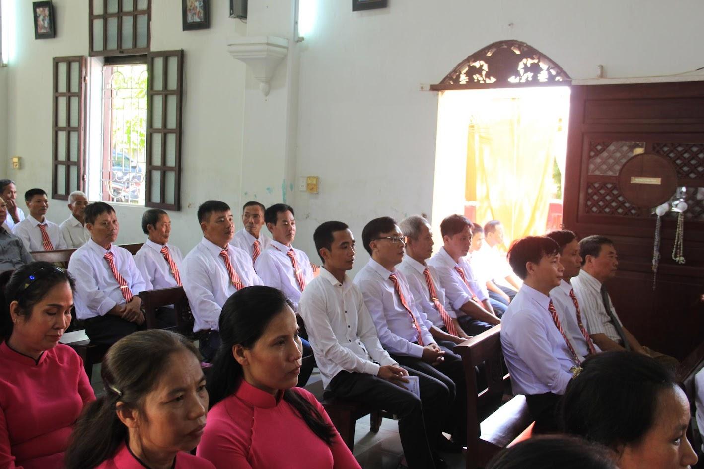 Giáo xứ Ngạn Sơn: Thánh lễ Bổn mạng và Làm phép Nhà mới - Ảnh minh hoạ 22