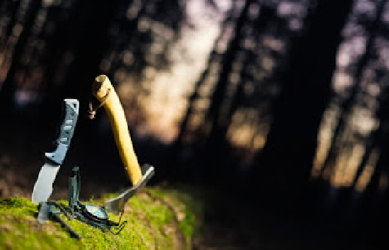 10 Survival Tools That Should Be In Your Survival Pack