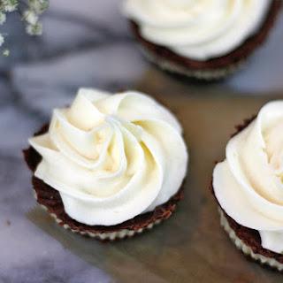 Dark Fudge Cashew Cream Cups {No Bake}