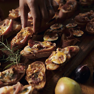 Fig Prosciutto Crostini.