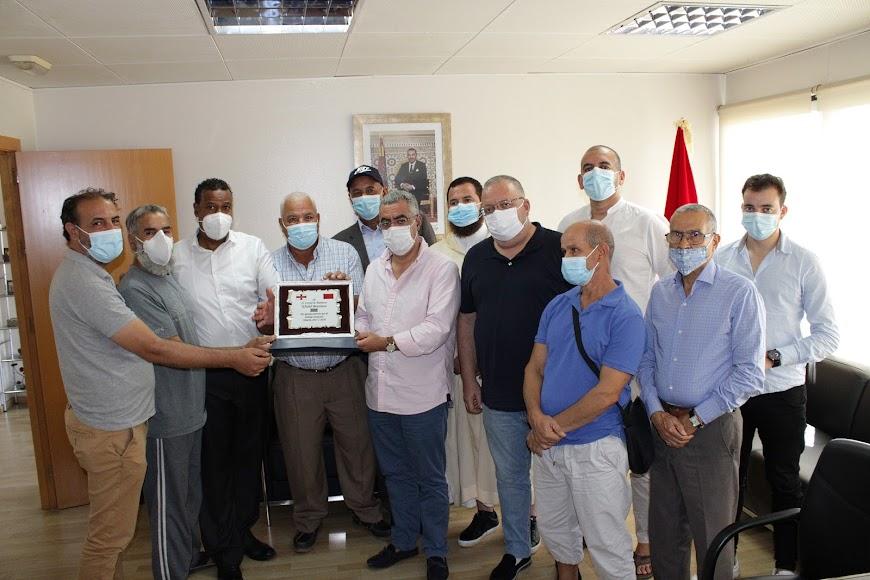 Khalid Bouziane recibió el homenaje de las asociaciones alauitas en Almería.