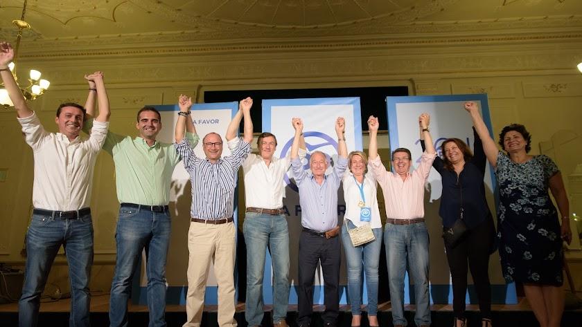 Candidatos del PP la noche electoral de junio de 2016.