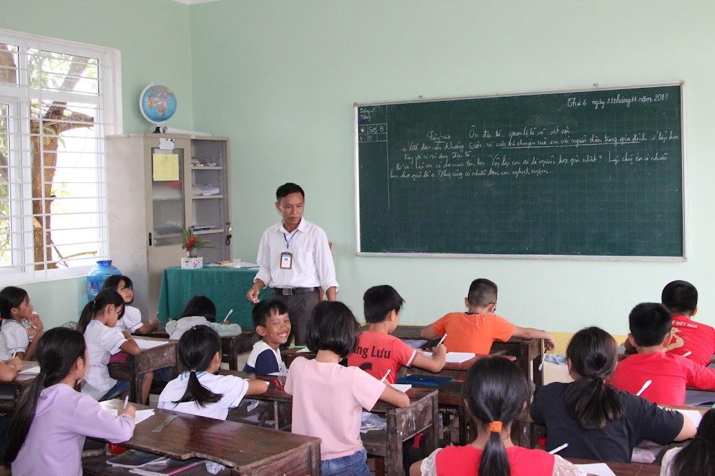 Toàn tỉnh Nghệ An hiện có hơn 400 giáo viên hợp đồng có đóng bảo hiểm bắt buộc trước 2015