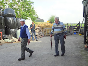 Photo: De heer den Oudsten (rechts)  met de heer den Ouden (links).