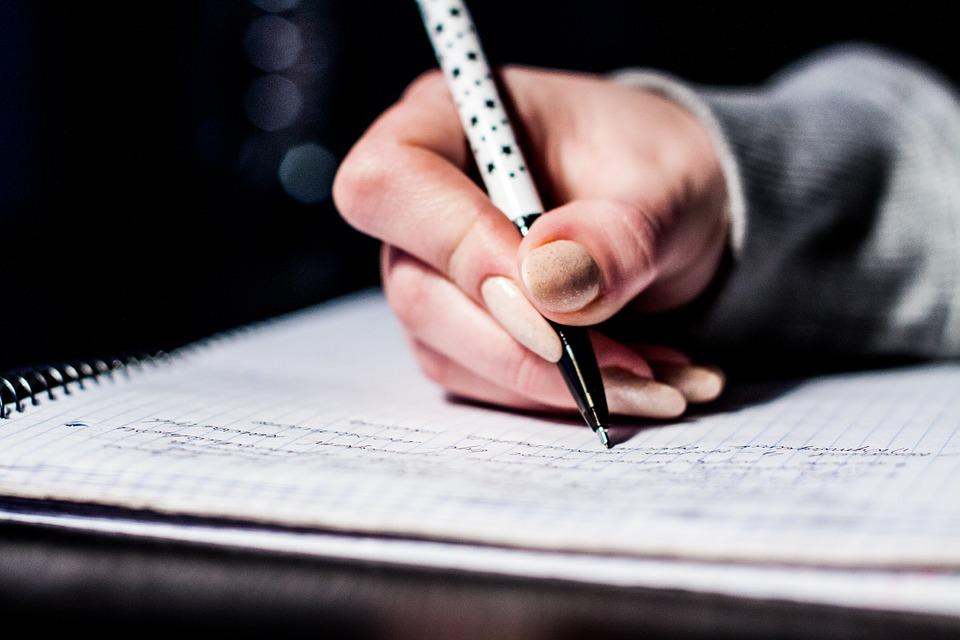 書き込み, ノート, ペン, 手, 紙, ドキュメント, 勉強, 教育, 学生, ノートブック, 手書き