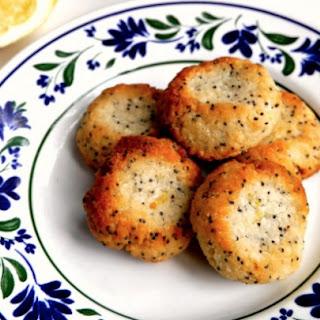 Macadamia, Lemon and Poppyseed Cookies