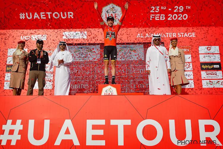 """Adam Yates blijft domineren in de UAE Tour: """"Ik moest sleutelfiguren volgen"""" en """"Kon mijn ding doen in finale"""""""
