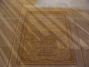 Photo: Catedral de Palencia. Inscripción actual donde estaba la lápida original.