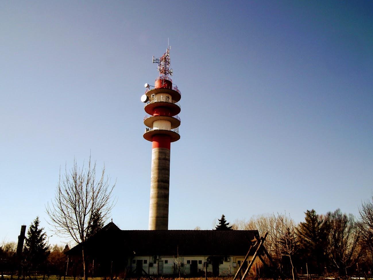 Nagybajom/adótorony - helyi URH-FM adóállomás