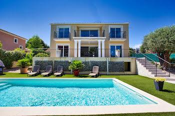 villa à Villeneuve-Loubet (06)