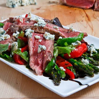 Black and Blue Steak Salad with Asparagus and Red Peppers.