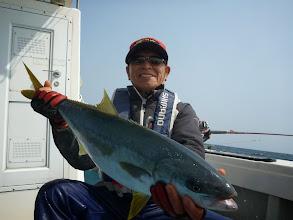Photo: おっ! ヒラスキャッチの戸田さん! 最近、ヒラスよく上がります。