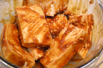 Photo: The tofu looks yummy marinating in the barbecue sauce!
