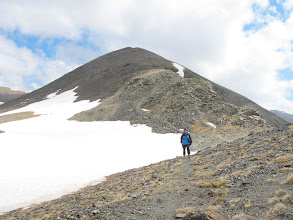 Photo: Baixant del Fontnegra per la carena cap al Cim de Roca Blanca