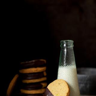 Dark Chocolate, Pistachio & Sea Salt Biscuits