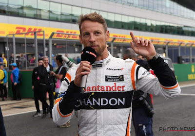 Jenson Button en huidig F1-piloot voor McLaren scoren virtuele overwinningen