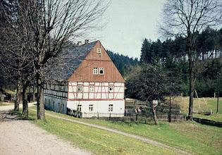 Photo: Wünschendorf im Erzgebirge  Sachsen  Wohnhaus unterhalb der Hammermühle Neunzehnhain ( 2006 abgerissen )  -   privates Foto von Werner Baldauf