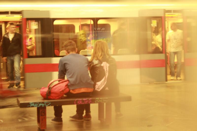 lovers in metro di Bern@
