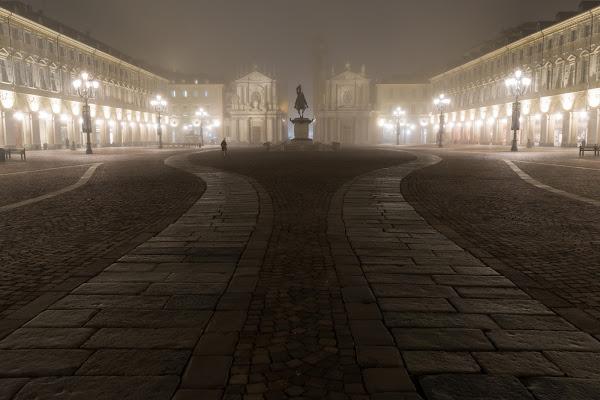 Sola, nella nebbia di Davide_79